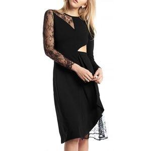 Lace Contrast Waist Slit Dress (S,M,L)